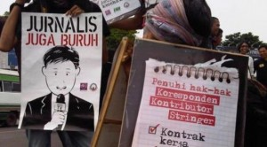 ilustrasi, aksi jurnalis menuntut upah layak